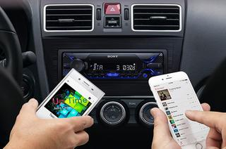 Das DSX-A212UI Autoradio von Sony wird getestet