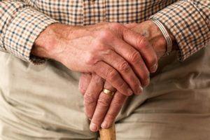 Nach diesen Testkriterien werden Pflegeversicherung bei uns verglichen