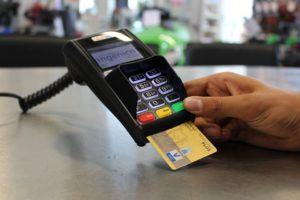 Welche Arten von kostenlosen Kreditkarten gibt es in einem Testvergleich?