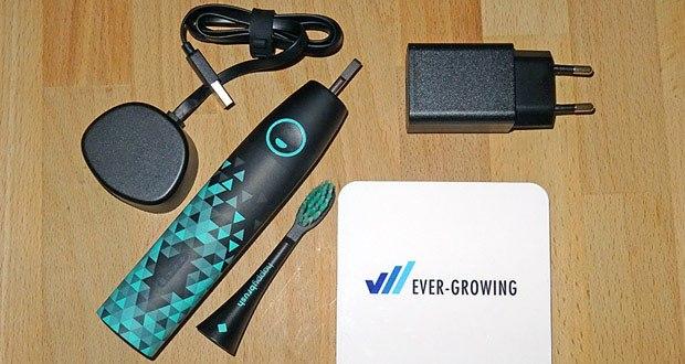Die lange Akkulaufzeit der happybrush E-Zahnbürste wird durch USB-Laden ermöglicht - dadurch kannst Du sie beliebig zu Hause oder auf Reisen einstecken