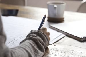 Aufbau des Arbeitszeugnisses im Test und Vergleich