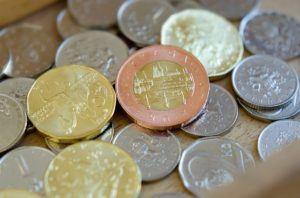 Welche Arten von Auslagern der Lohn- und Gehaltsabrechnung gibt es in einem Testvergleich?