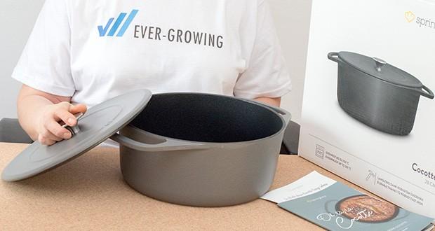 Springlane Gusseisen Bräter Cocotte im Test - ihr skandinavisches Design in eleganten, matten Farben macht die Cocotte zu einem einzigartigen Hingucker in deiner Küche – und auf deinem Esstisch