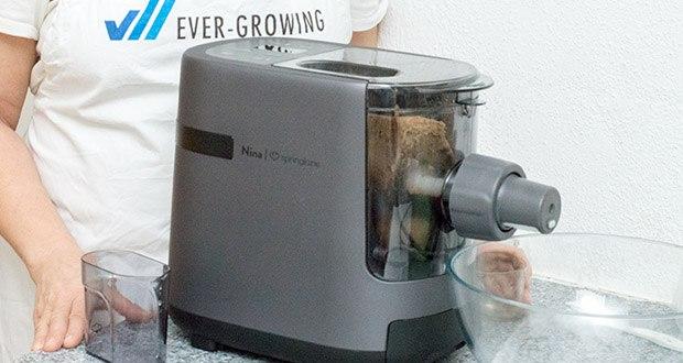 Springlane Automatische Nudelmaschine Nina im Test - sobald Nina anfängt den Pastateig zu kneten, hast du Zeit, kreative Nudelnester zu formen, eine leckere Sauce zuzubereiten oder dich einfach ganz entspannt zurückzulehnen