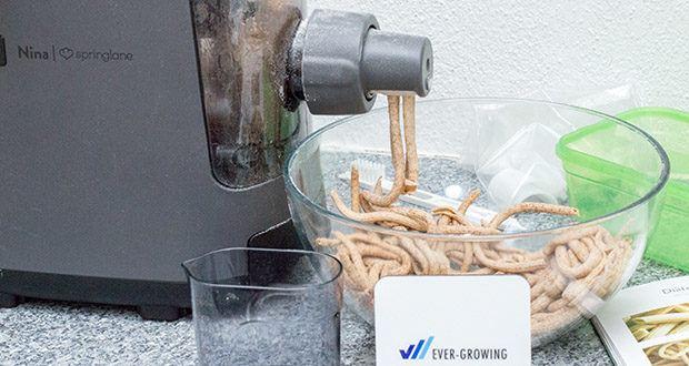 Springlane Automatische Nudelmaschine Nina im Test - wiegt und zeigt dir die perfekte Menge Flüssigkeit in Millilitern an; bis zu 6 Pastamäuler