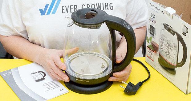 Emerio Glas Wasserkocher im Test - das kabellose Gerät kann von der Basis getrennt werden und ist so individuell nutzbar