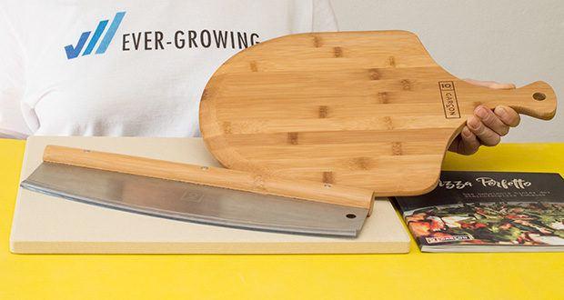 GARCON Pizzastein 4er Set im Test - die Pizzaschaufel aus Bambus Holz erleichtert das Ein- und Ausschieben der Pizza in den Ofen