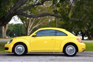Internet und der Kleinwagen im Test und Vergleich