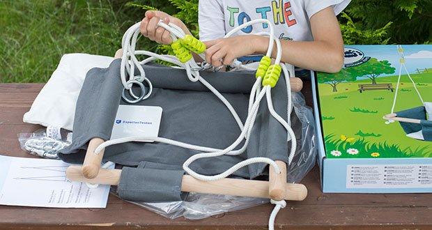 small-foot Babyschaukel Komfort im Test - vier Querstreben geben Halt und Sicherheit