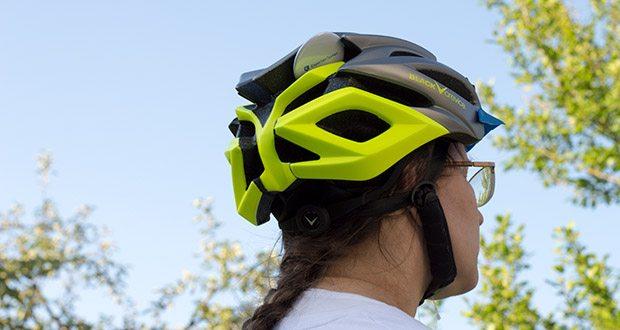 Blackcrevice Fahrrad- & Mountainbike Helm im Test - die Zahlreichen Lüftungsöffnungen sorgen für reichlich Luftzirkulation, somit kommt es selbst bei anstrengenden Anstiegen nicht zum unangenehmen Hitzestau