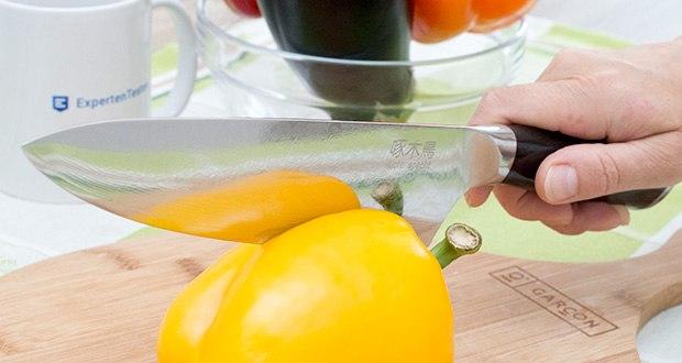 küchenspecht Kochmesser aus Damast Stahl im Test - gleitet die messerscharfe Klinge durch jedes Obst, Gemüse, Fleisch und Fisch wie durch Butter