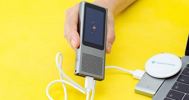 Langogo Minutes Sprachübersetzer und Diktiergerät im Test - Batteriekapazität: 1510 mAh; maximale Arbeitsstunden: 10 Stunden (Bildschirm aus)