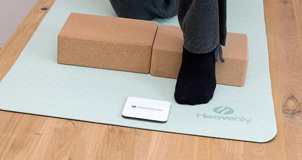 Heavenly Yogamatte Gymnastikmatte im Test - klebt richtig auf dem Boden und Du hast maximalen Halt!