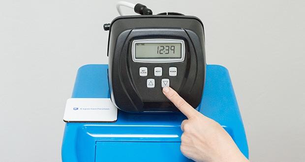 LFS CLEANTEC Wasserenthärter IWKC 1000 im Test - durch die Zwangsregeneration wird nach einer voreingestellten Zeitspanne die Regeneration durchgeführt und zwar auch dann wenn eine Restkapazität vorhanden ist