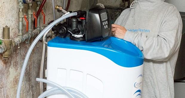 LFS CLEANTEC Wasserenthärter IWKC 1000 im Test - das Austauscherharz mit einer Lebensdauer von mindestens 10 Jahren wird dauerhaft und verlustfrei mit Sole regeneriert