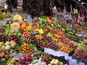 Lebensmittel am Marktstand
