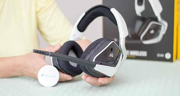 Corsair Void Elite RGB Gaming Headset im Test - das omnidirektionale Mikrofon mit LED-Stummschaltungsanzeige gewährleistet eine klare Sprachwiedergabe