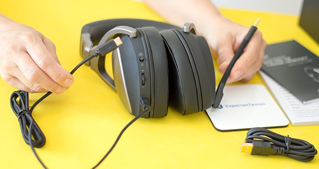ASUS ROG Delta Gaming Headset im Test - verfügt über einen USB-C-Anschluss und einen USB-C-auf-USB-2.0-(Typ-A)-Adapter