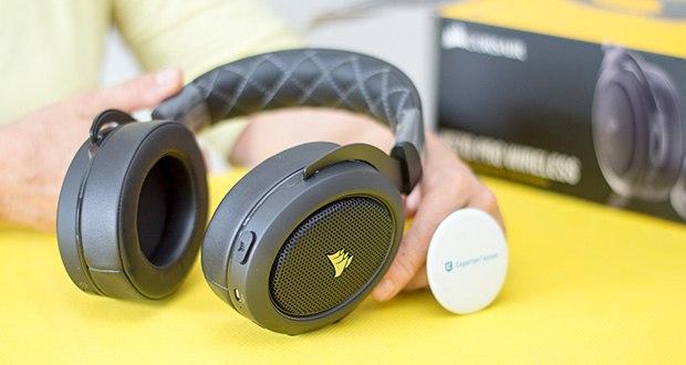 Corsair HS70 Pro Wireless Gaming Headset im Test - bietet eine Reichweite von bis zu 12 Metern und eine Akkulaufzeit von bis zu 16 Stunden