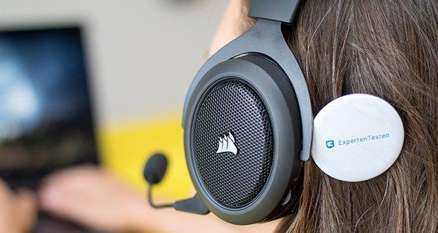 Corsair HS70 Pro Wireless Gaming Headset im Test - einstellbare Ohrmuscheln aus weichem Memory-Schaumstoff gewährleisten außergewöhnlichen Komfort für stundenlanges Spielen