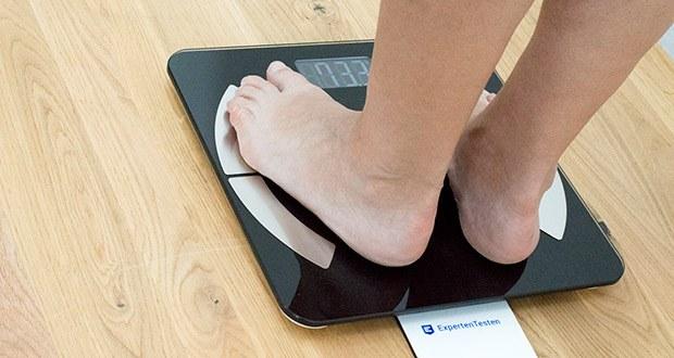 Die Messung des Körperindexes ist nur mit bloßen Füßen möglich