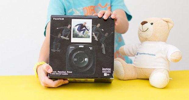 Fujifilm instax SQUARE SQ 20 Hybride Sofortbildkamera im Test - zweite Hybrid-Sofortbildkamera instax SQUARE SQ20 mit 4fach Digitalzoom vereint den analogen Charme der Sofortbildkamera mit dem technischen Fortschritt der Digitalfotografie