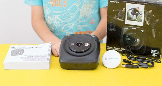 Fujifilm instax SQUARE SQ 20 Hybride Sofortbildkamera im Test - Lieferumfang : Kamera; USB-Ladekabel; Trageschlaufe; Bedienungsanleitung
