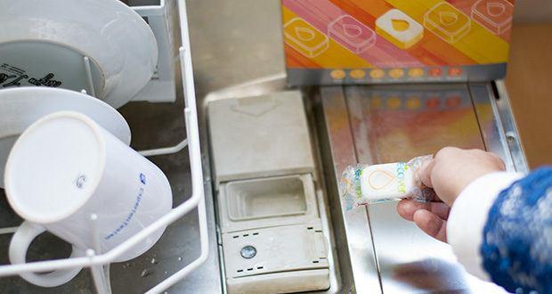 Ecover All-In-One Spülmaschinen-Tabs Zitrone & Mandarine im Test - reinigt kraftvoll, entfettet und entfernt eingetrocknete Speisereste