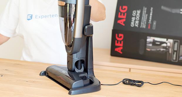 AEG QX9-1-50IB 2in1 Akku-Staubsauger im Test - die moderne Grab & Go-Ladestation ermöglicht leichtes Entnehmen und Aufladen