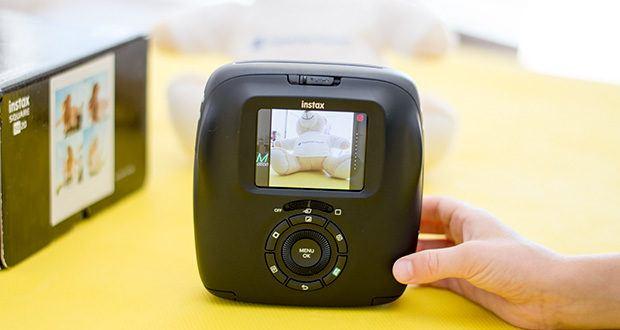 Fujifilm instax SQUARE SQ 20 Hybride Sofortbildkamera im Test - mit 18 verschiedenen Filtern für Fotoaufnahmen kann man Motive spannend gestalten – Effekte wie Skin Brightening, Vintage, Monochrome, Sepia bis hin zu verschiedenen Filterfarben stehen zur Auswahl