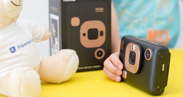 Fujifilm Instax Mini LiPlay Elegant Hybride Sofortbildkamera im Test - die innovative Soundfunktion ermöglicht es Ihnen, Ihr Sofortbild mit dazugehöriger Audioaufnahme auszugeben