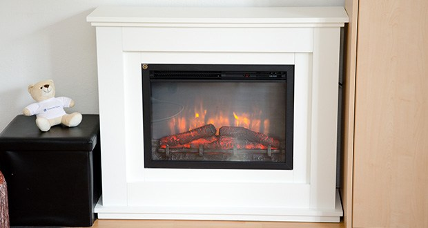RICHEN Elektrischer Standkamin Baldur EF119B-MT119A im Test - das Kaminfeuer besitzt einen wunderschönen Flammeneffekt und eine 12 Farbenbeleuchtung, welche einfach über die mitgelieferte LCD-Display-Fernbedienung bedient werden kann