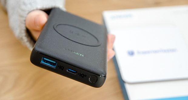 Anker PowerCore III 10K Wireless Powerbank 10000mAh im Test - ausgestattet mit einem USB-C Eingang, einem USB-A Eingang sowie einem kabellosen Ladepad, damit du sogar drei Geräte gleichzeitig blitzschnell aufladen kannst