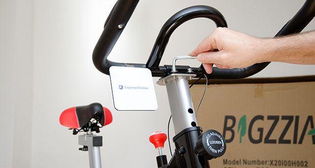 Bigzzia Profi-Heimtrainer mit LCD-Anzeige im Test - Höhenverstellung der Armlehne