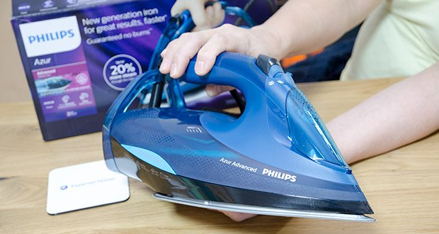 Philips Azur Advanced Dampfbügeleisen GC4937/20 im Test - Konstanter Dampfstoß bis 55g/min leitet bis zu 20% mehr Dampf ins Gewebe