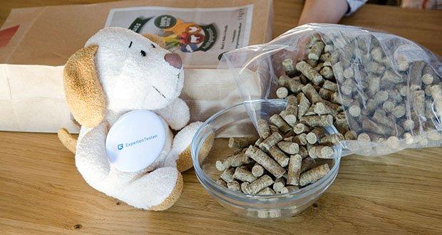 Leiky Naturgenuss kaltgepresst Hundefutter (Rind, Huhn, Forelle) im Test - ist glutenfrei und ohne Konservierungsstoffe, Zucker, Lockstoffe oder Farbstoffe