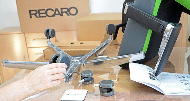 Recaro Gamingstuhl Exo FX im Test - besitzt Softtouch-Armlehnen mit 5D-Funktionalität sowie ein hochwertiges Aluminium-Fußkreuz