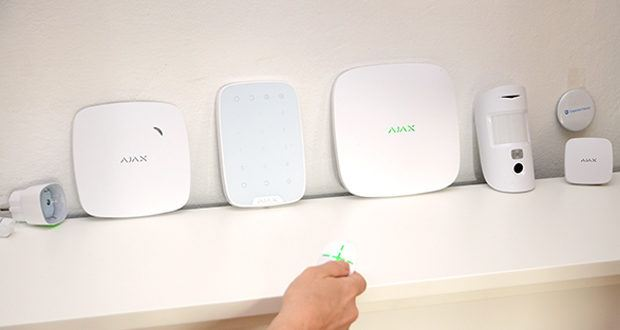 Ajax Alarmanlage im Test - ein professionelles Sicherheitssystem, das Probleme hinter sich lässt