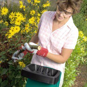 Häckselgut eignet sich hervorragend zum Mulchen. Aber auch Gartenwege lassen sich damit schön anlegen.