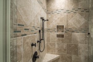 Günstiger Handwerker für Duschkabine einbauen lassen