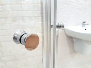 Vergleich: Duschkabine einbauen lassen Kosten
