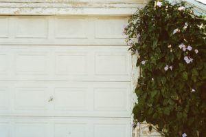 Guter Kostenvoranschlag für Garagentor mit Einbau