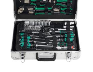 Werkzeugkasten eignen sich für alle Personen, die ihre Werkzeuge geordnet an einem bestimmten Platz haben wollen. Der Koffer ermöglicht auch ein leichtes Transportieren der verschiedenen Werkzeuge.