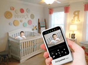 Diese Variante bietet Ihnen den Vorteil, dass jeder das Babyphone mit Kamera nutzen kann und keine weiteren Endgeräte genutzt werden müssen.