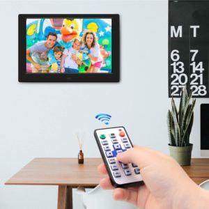 Digitale Bilderrahmen zeigen unkompliziert eine Vielzahl an Fotos und Bildern.