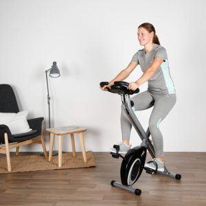 Radfahren ist ein ideales Ausdauertraining. Es sorgt außerdem für straffe Beine und eine Stärkung des Herz-Kreislauf-Systems.
