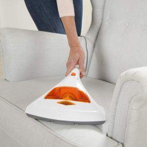Mit dem Milbensauger können Sie Ihre Polstermöbel von den lästigen Tierchen befreien.