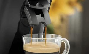 Ein gelungener Cappuccino lässt sich auch bequem im eigenen Heim zubereiten.