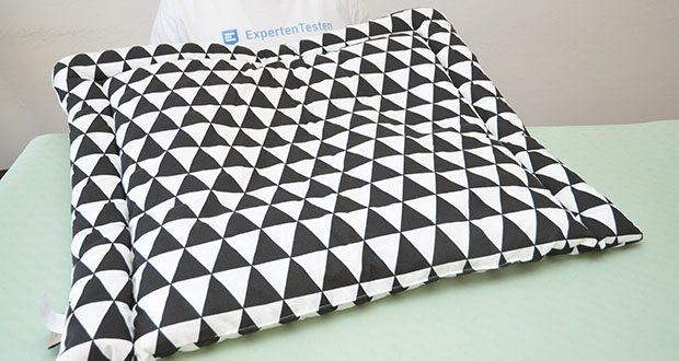 KraftKids Wickelauflage in schwarze Dreiecke im Test - überzeugt durch eine hochwertige Verarbeitung aus 100% Baumwolle und einem tollen Design