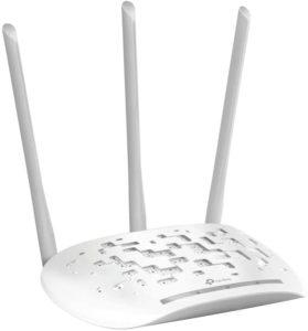 Neben der Geschwindigkeit und der Sicherheit legen viele Nutzer hohen Wert auf eine große Reichweite. Die Reichweite kann durch internen wie auch externen Antennen verbessert werden.